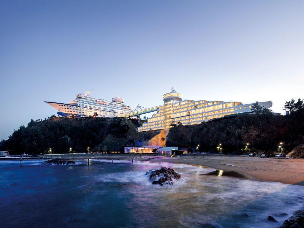Sun Cruise Hotel & Yacht Resort  – КАТО НА ИСТИНСКИ КРУИЗЕН КОРАБ
